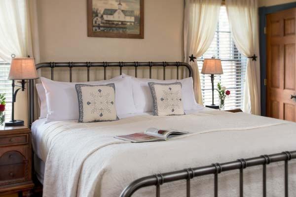 Antietam Room Bed